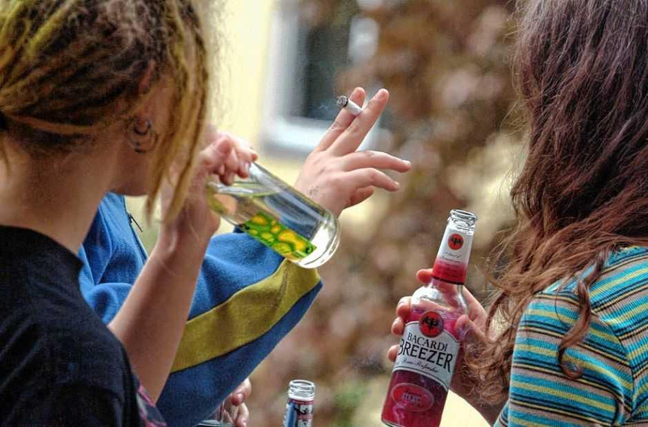 подростки пьют